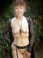 Prurient older businesswoman get naked