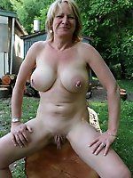 HQ mature moms with unshaved slit