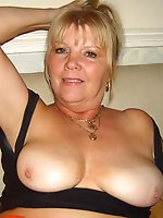 Awesome older mamas showing their sexy body on pics