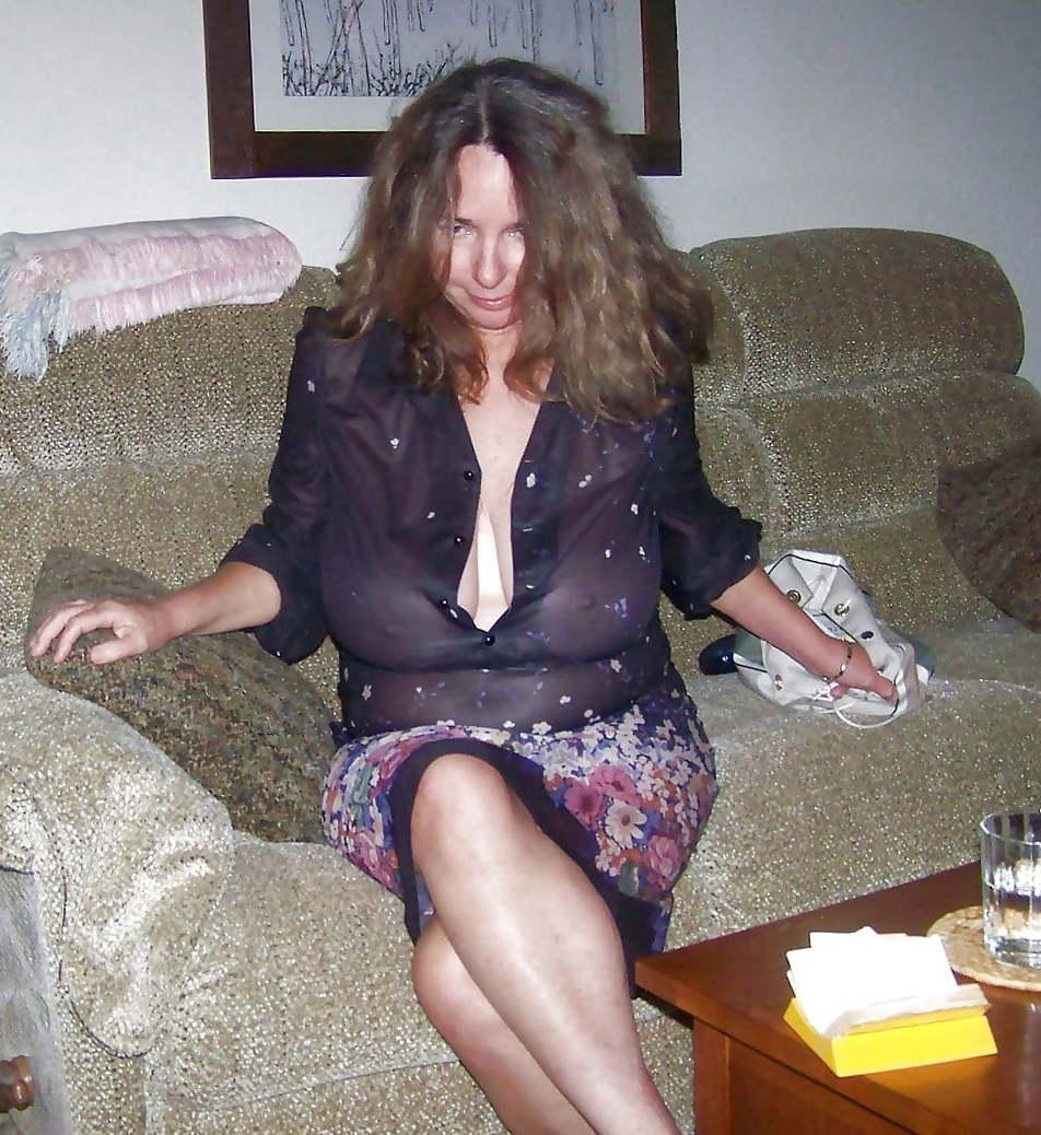 nude milf in public